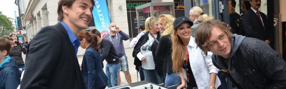 kicker roadshow-header